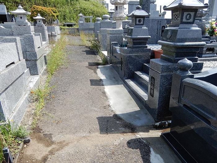 墓地の通路の補修 施工後