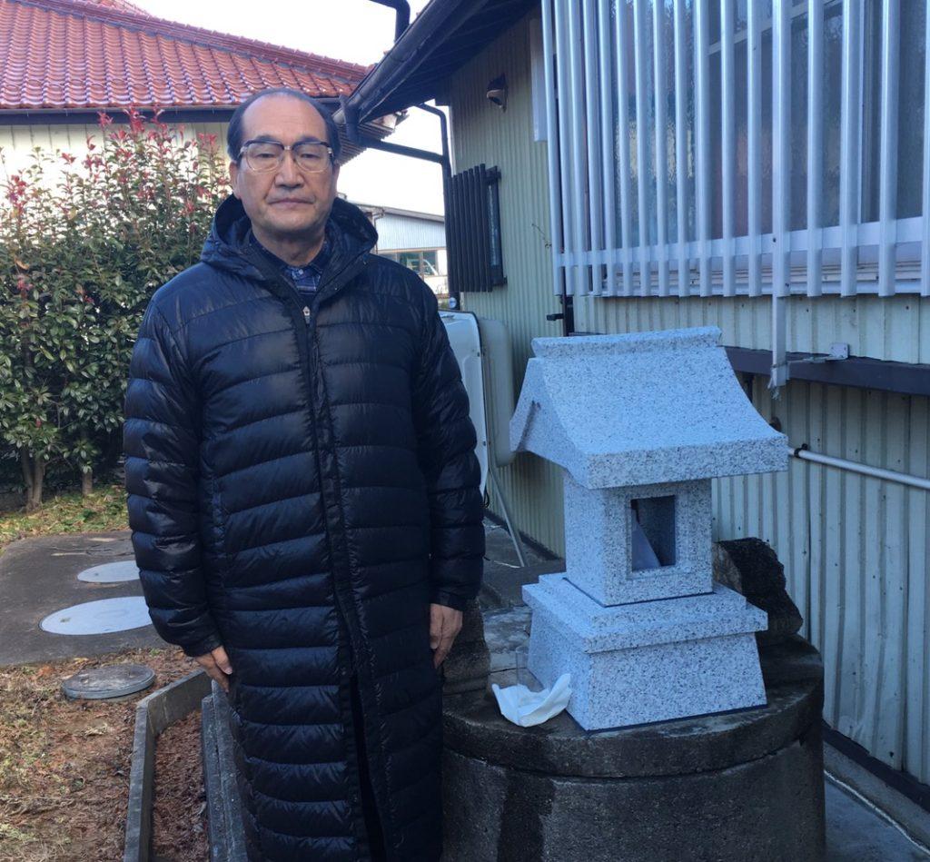 大玉村村長と施工した水神様の祠